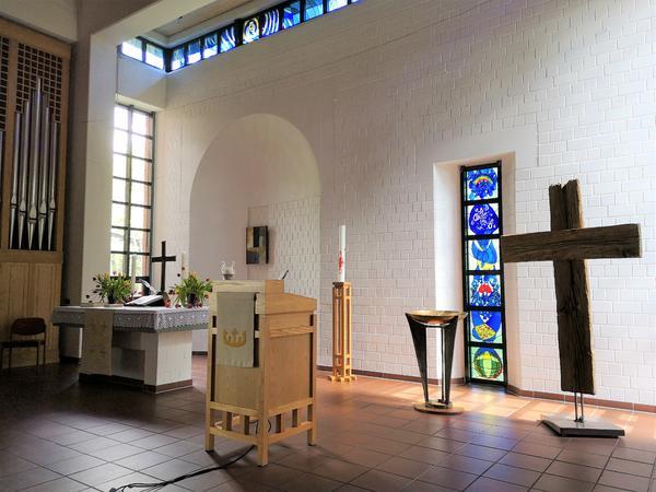 Altarraum Auferstehungskirche